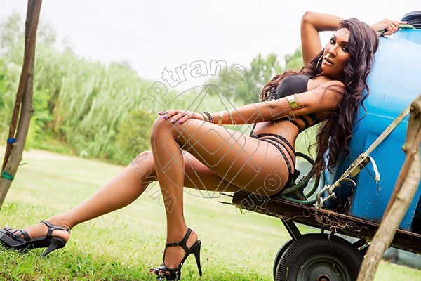 Foto 24 di Thalita Top Xxxl transex Gioia Del Colle